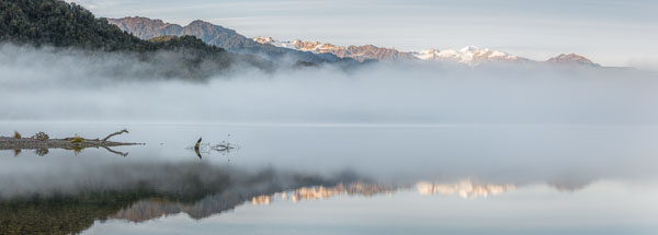 Autumn mist at Lake Mapourika